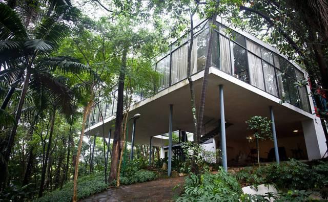 Casa de Vidro (The Glass House)